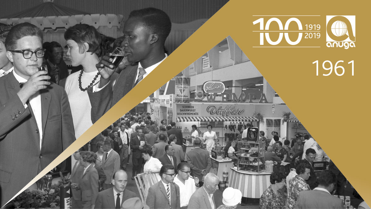 1961: The number of the trade visitor days was already increased up to four exhibition days