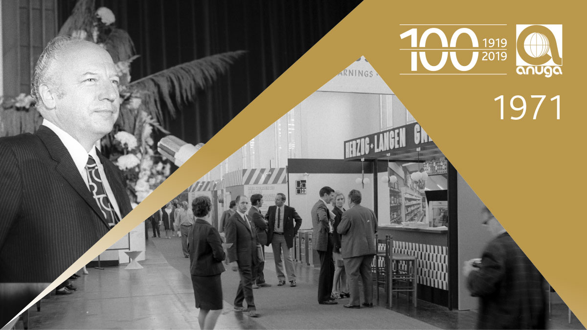 1971: The exhibition presented canteen kitchen system for the first time