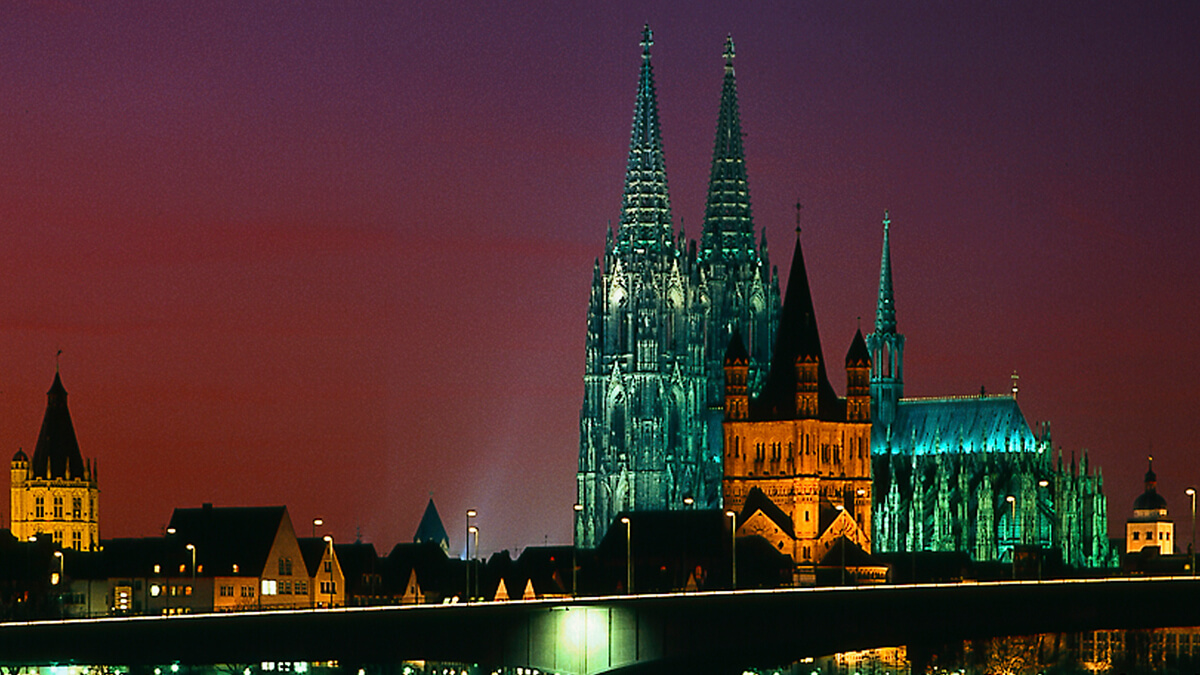 Strahlt Tag und Nacht: Der Kölner Dom