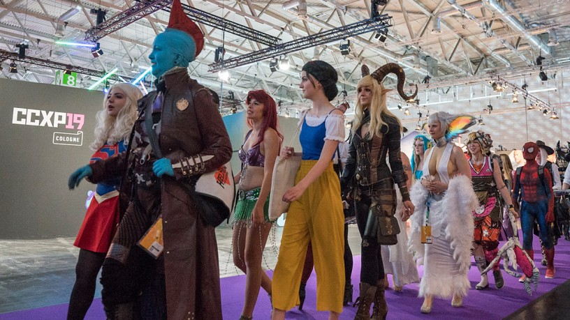 Cosplay Walking Acts CCXP COLOGNE