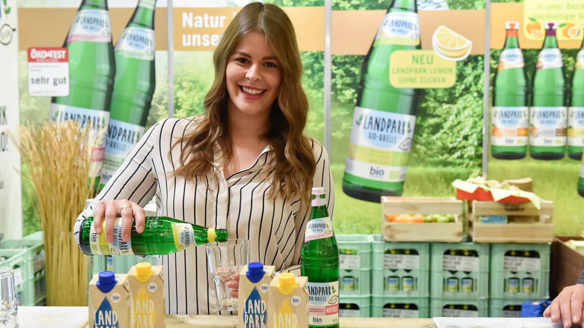 Heil- und Mineralbrunnen Johann Spielmann GmbH – Landpark Bio-Quelle Naturell/Lemon im 0,5 Liter nachhaltigem Tetra Pak
