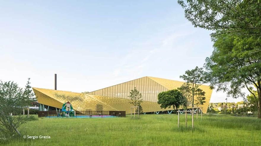 Goldnugget - Multisportkomplex La Fontaine in Antony, Frankreich