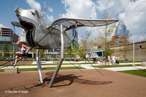 Smale-Riverfront-Park--Play-1