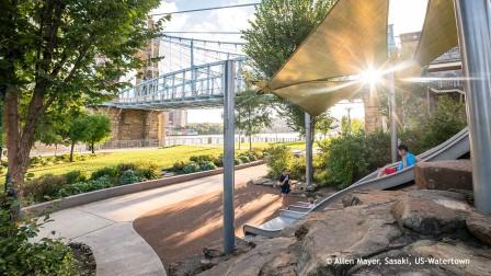 Stadtplanung: Smale Riverfront Park - Abenteuerspielplatz