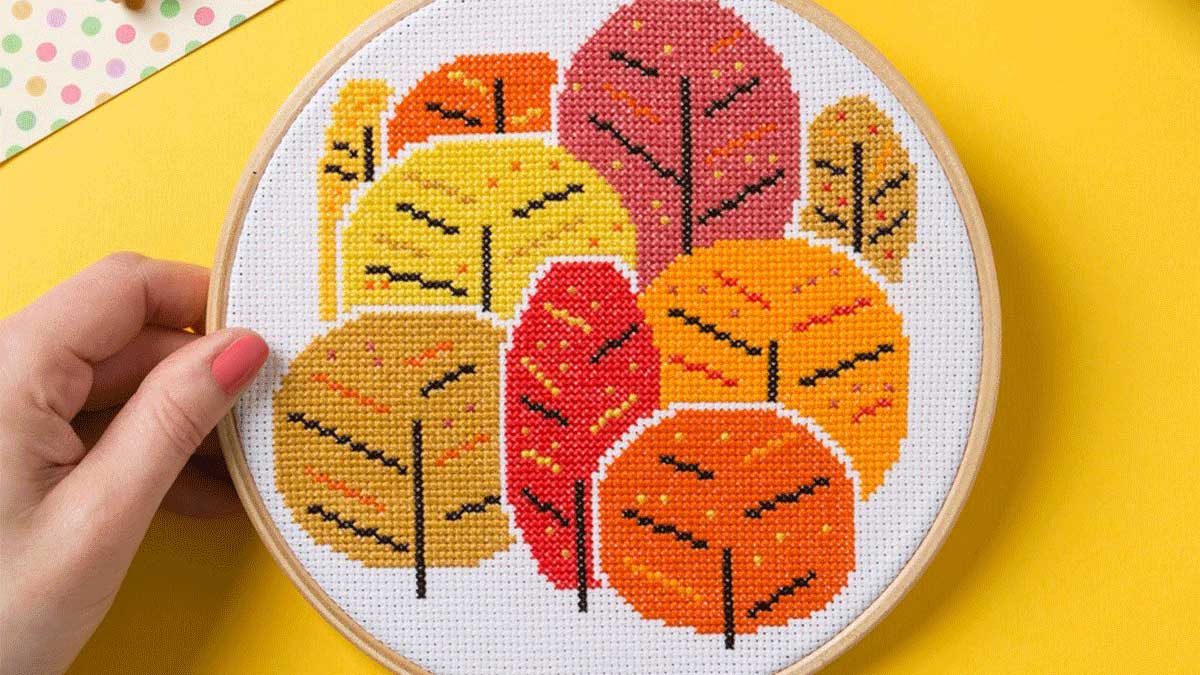 Ancient technology blossomed anew: embroidery is back in fashion!
