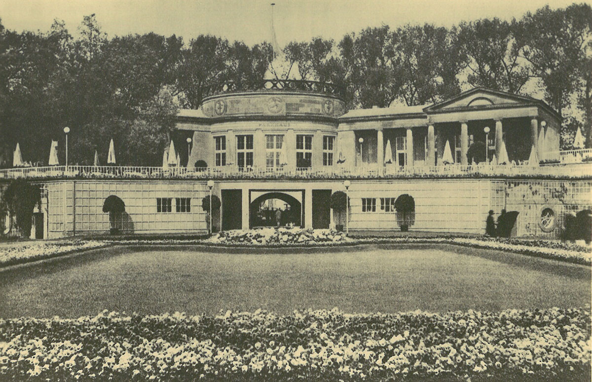 The tea house at the 1914 exhibition in Cologne