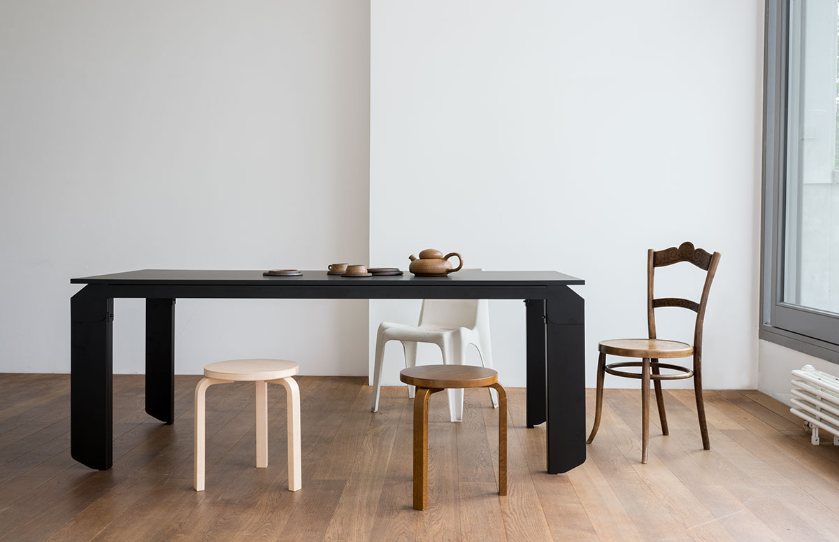 The Novak table from Objekte unserer Tage