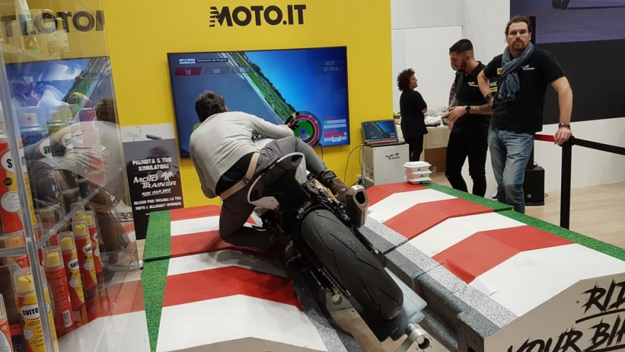Picture of a motorcycle driving simulator