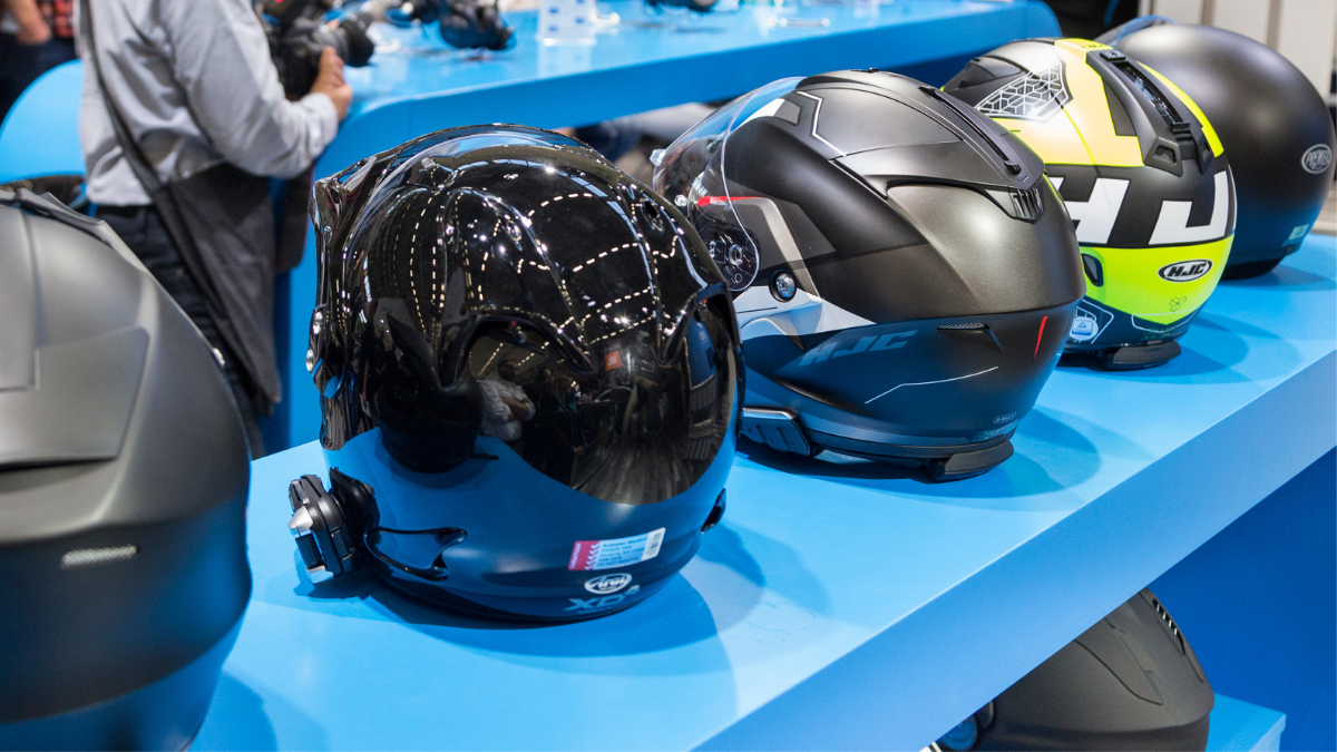 More safety, more comfort: smart clothing for bikers