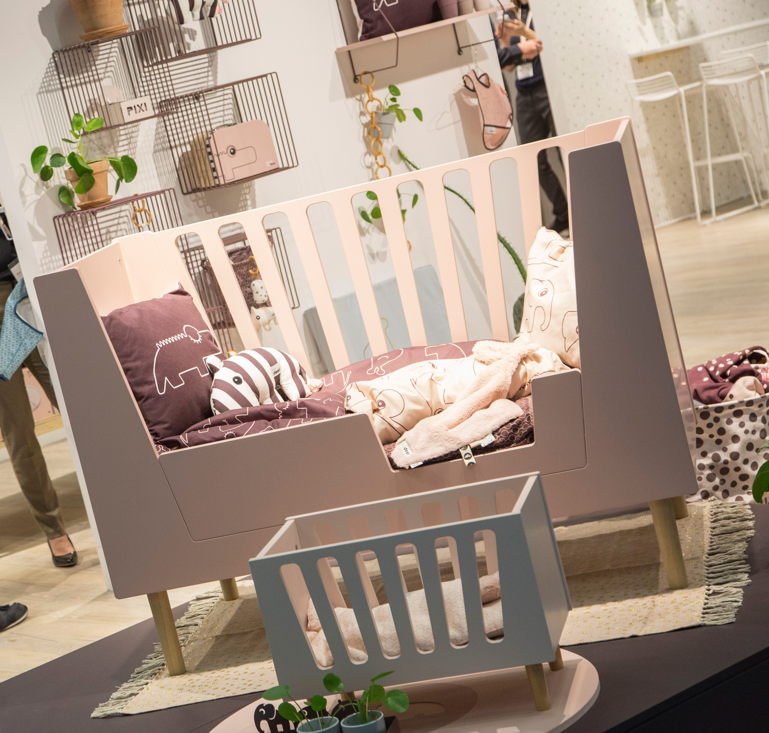 Crib: everything for baby's peaceful slumber