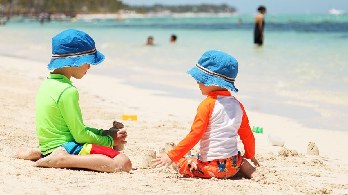 UV-protective clothing for children: Carefree in the sun