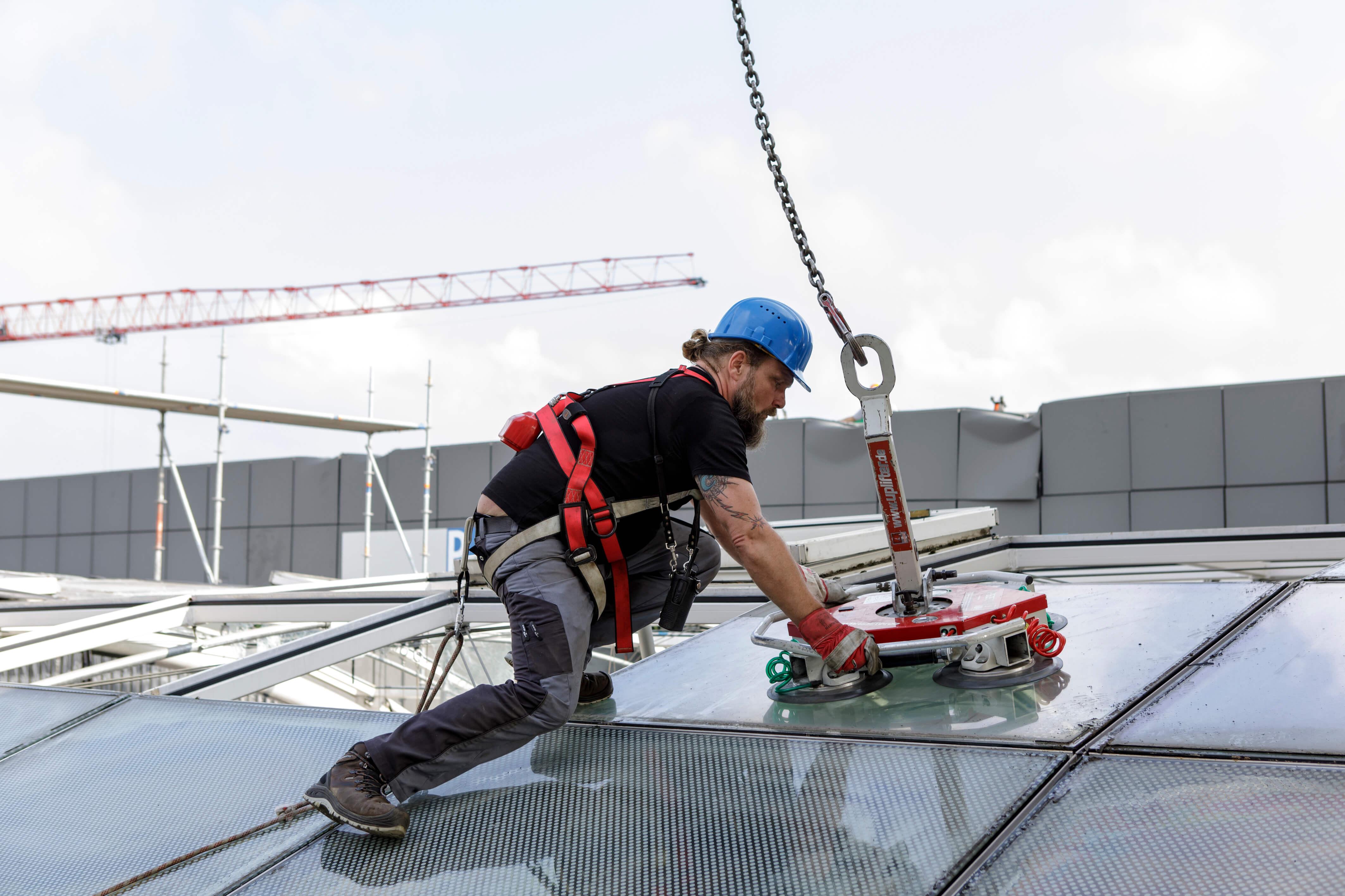 Neuer Durchblick: Folien ersetzen Glasdächer