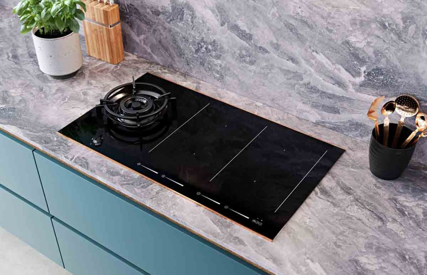LivingKitchen 2021: Cooking with induction, electricity and gas
