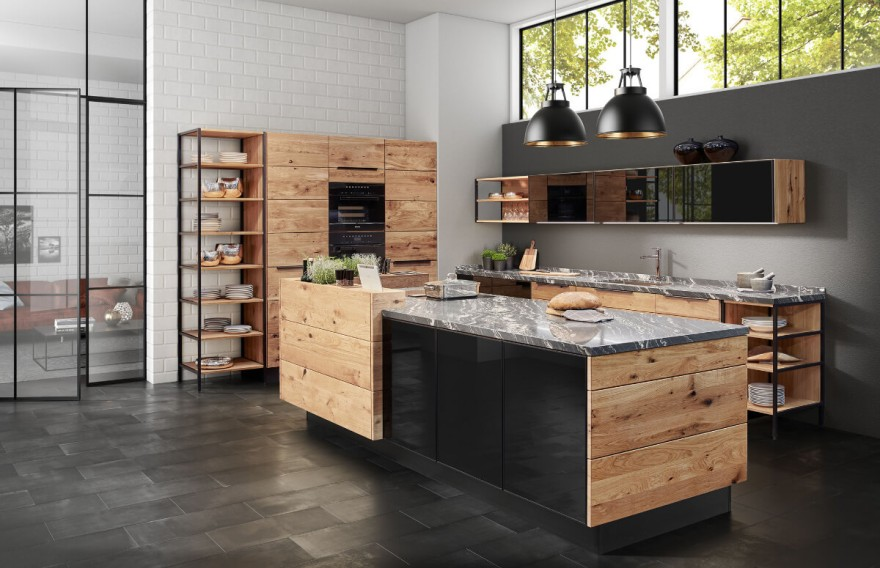 Trendy solid wood kitchen by Möbelwerke A. Decker