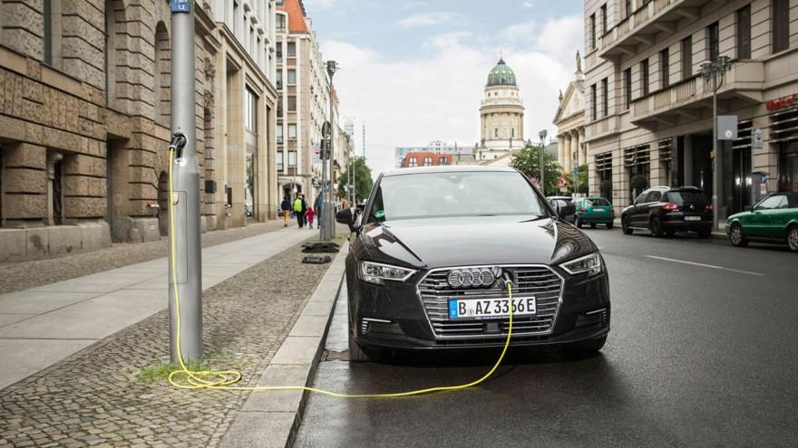 Strom aus der Latern für ein Auto