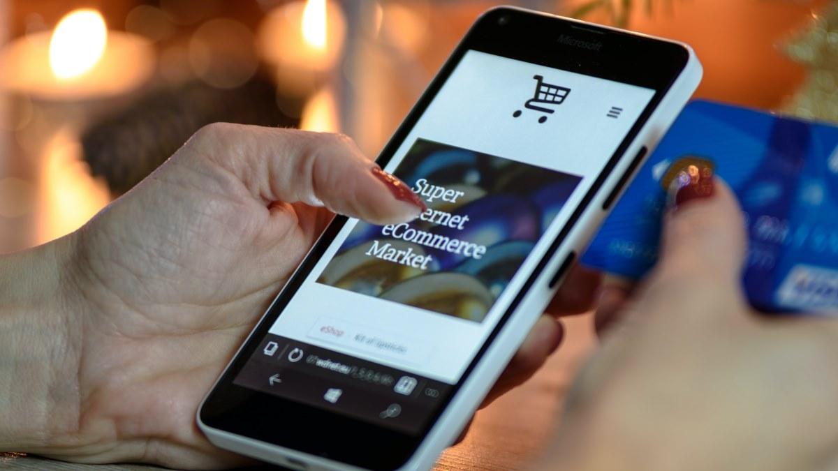 Customer experiences in online garden retail