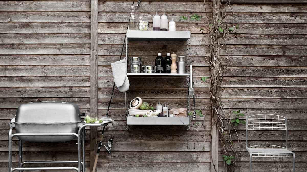 String shelf for outdoor use © String Furniture