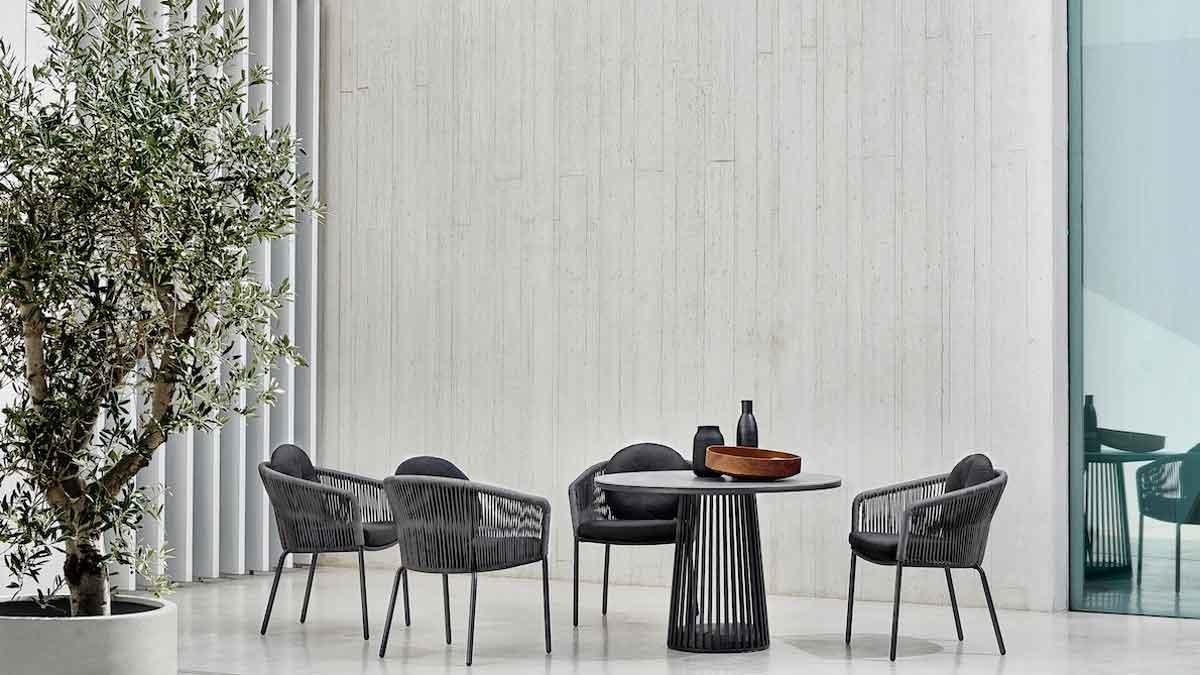 "Outdoor-Dining-Sessel ""Loop"" (Design: Hoffmann Kahleyss Design) © solpuri"