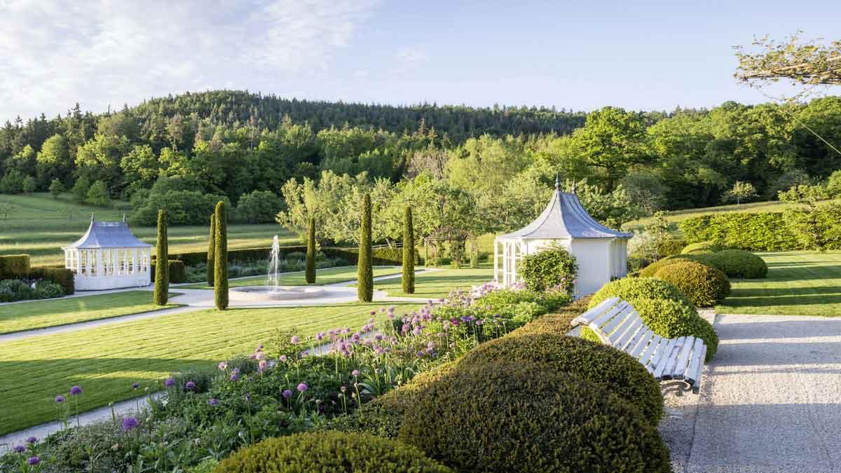 Ein Gang durch den Garten von Roland Doschka ist eine einzigartige Entdeckungsreise. – Foto: Luckner