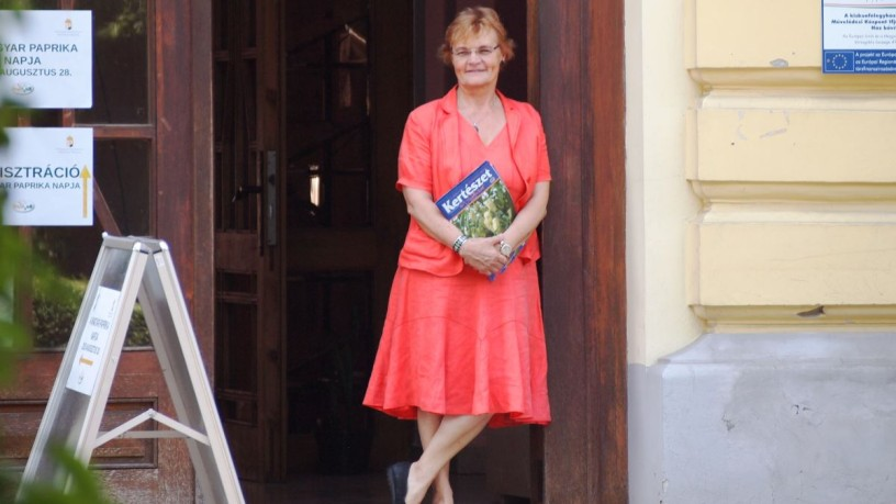 "Klára Biza, ehem. Chefredakteurin von ""Kertészet és Szölészet"" (Garten- und Weinbau, Wochenblatt) und ""Kertbarát Magazin"" (Magazin der Gartenfreunde)"