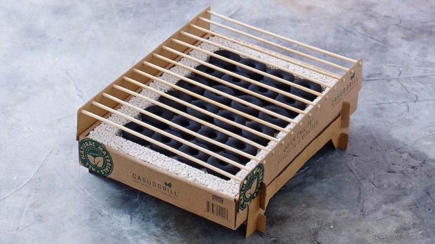 Disposable grill made from natural and biodegradable materials from CasusGrill © CasusGrill