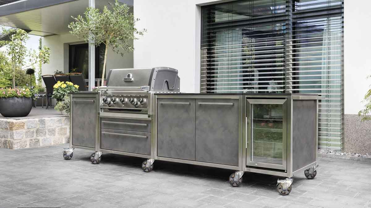 Outdoor Kitchen: Gas grills are particularly popular