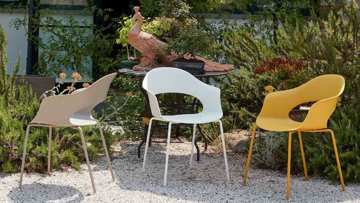Outdoor furniture: old becomes new