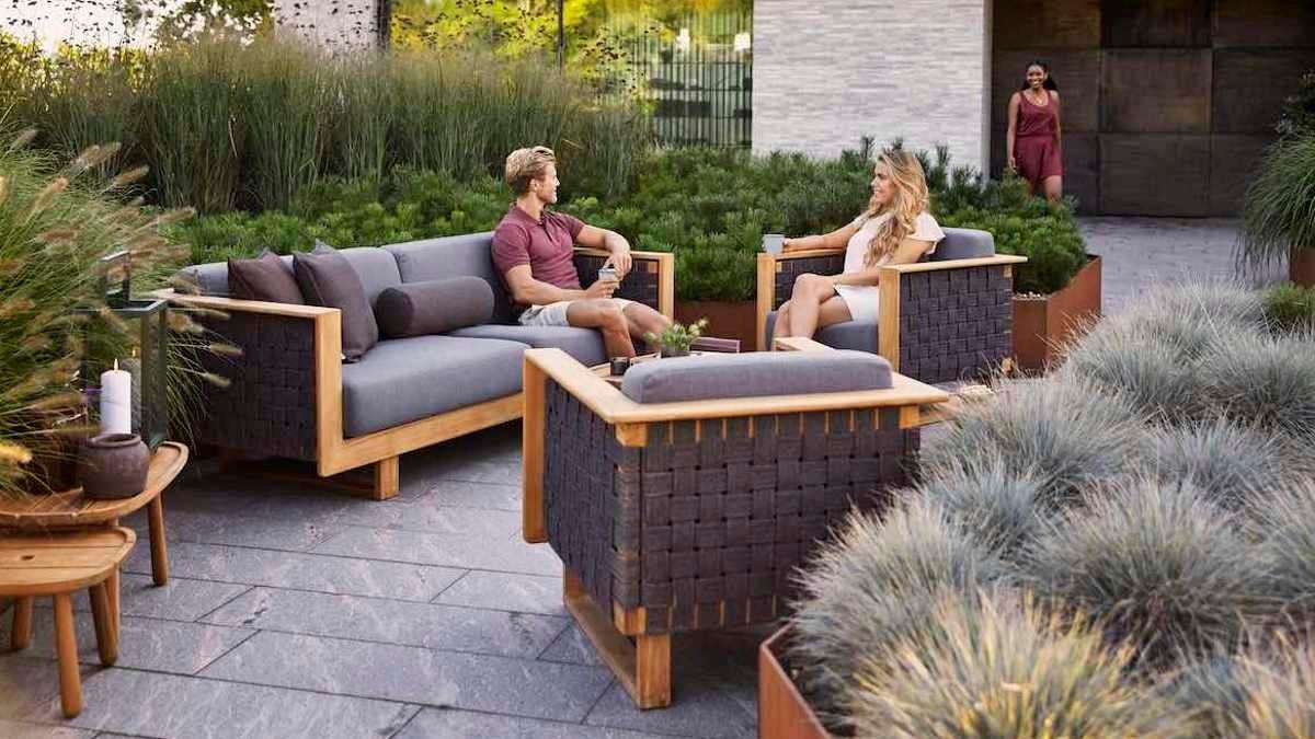 Angle lounge series from Cane-line (design: Foersom & Hiort-Lorenzen), © Cane-line
