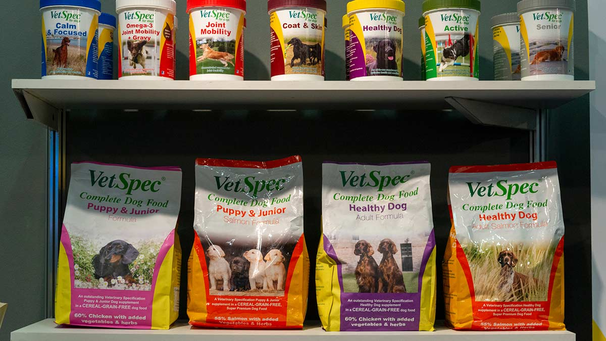 Horse care and health, feeding