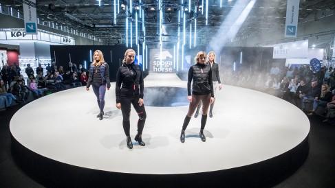 fashion walk_12_1200x675