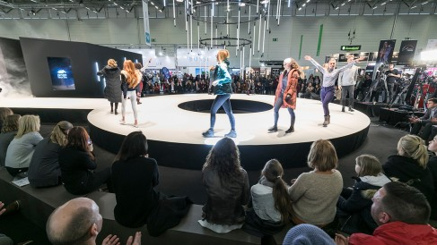 fashion walk_19_1200x675