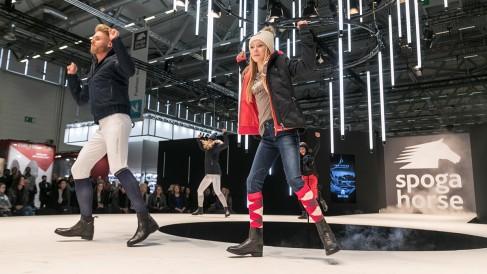 fashion walk_21_1200x675