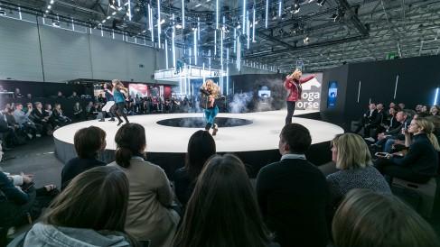 fashion walk_22_1200x675