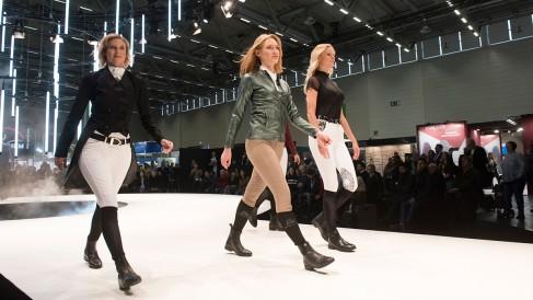 fashion walk_3_1200x675